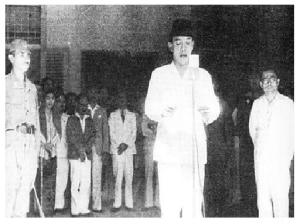 Detik-detik dibacakannya Proklamasi Kemerdekaan Republik Indonesia oleh Ir. Soekarno